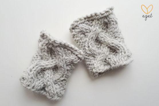 Ebba - Färg: Cement - Köps stickade pulsvärmare/handledsvärmare