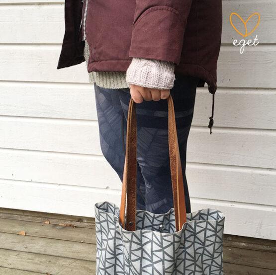 Diana - Färg: Cement - Stickade vantar/handelsvärmare